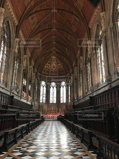 素敵なイギリスの大聖堂の写真・画像素材[2053500]