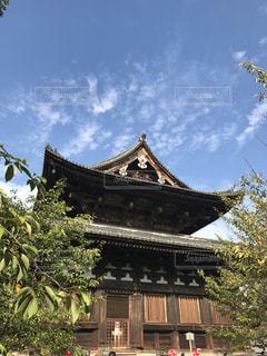 京都、東寺の大きな建物の写真・画像素材[2079442]