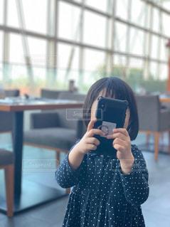 カメラ女子の写真・画像素材[2033404]