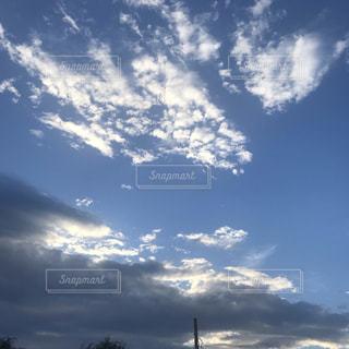 青空の雲の写真・画像素材[2318317]