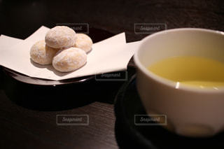 お茶とクッキーの写真・画像素材[2944858]