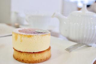 ケーキと紅茶の写真・画像素材[3124390]