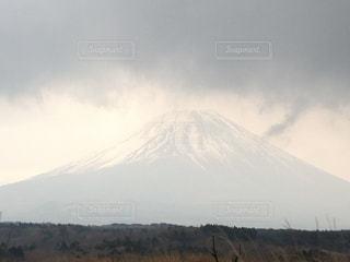 うっすら富士山の写真・画像素材[2041684]