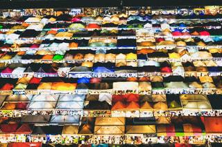 タイのナイトマーケットの写真・画像素材[2054656]