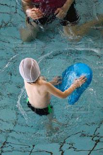 プールの水泳練習の写真・画像素材[2261235]