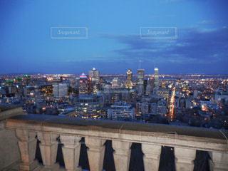 夕暮れ時のモントリオールの街の写真・画像素材[2182812]