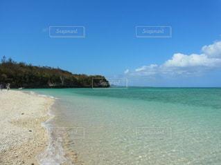 瀬底島のビーチの写真・画像素材[2213699]