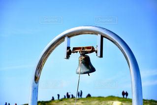 青空と鐘の写真・画像素材[2056282]