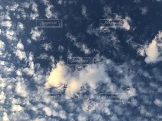 青空の雲の写真・画像素材[2491071]