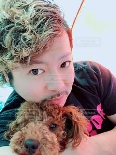 愛犬と自撮りの写真・画像素材[2790233]