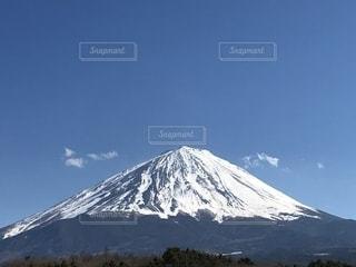 快晴の日の富士山の絶景の写真・画像素材[2140690]