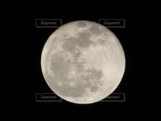 月の写真・画像素材[2064244]