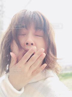 あくびの朝におはようの写真・画像素材[2064905]