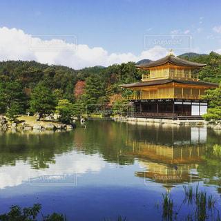 彼女と行った思い出の金閣寺の写真・画像素材[2067570]