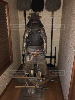 甲冑と刀の写真・画像素材[2068521]