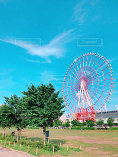 青空と観覧車の写真・画像素材[2080377]