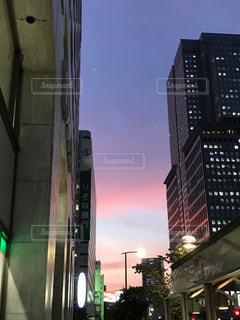 都会の夕暮れの写真・画像素材[2113517]