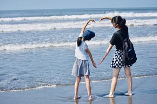 浜辺のハートの写真・画像素材[2386975]