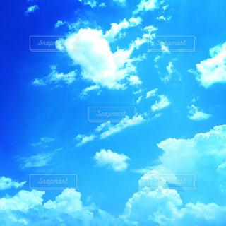 青空に雲の写真・画像素材[2088259]