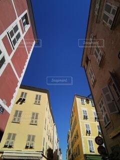 ヨーロッパのカラフルな建物の写真・画像素材[3989031]