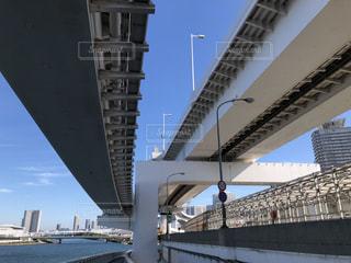 水域に架かる橋の写真・画像素材[2802450]