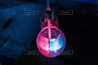 電球ソーダの写真・画像素材[2186387]