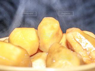 里芋の煮っころがしの写真・画像素材[2440940]