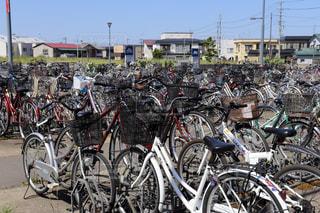 放置された自転車達の写真・画像素材[2164327]