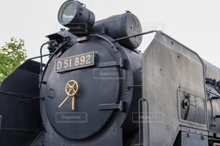公園にある古い機関車の写真・画像素材[2174971]