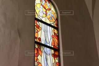 教会の礼拝堂のステンドグラスの写真・画像素材[2283847]