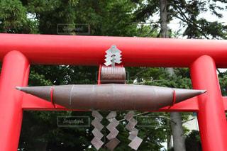 神社の赤い大きな鳥居の写真・画像素材[2293379]