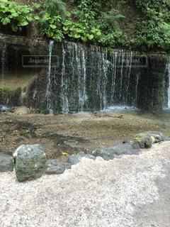 滝 マイナスイオンの写真・画像素材[2089227]