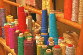 カラフルな糸の写真・画像素材[1608896]