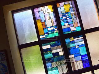 ステンドグラス窓の写真・画像素材[2120438]