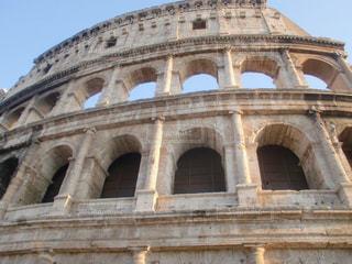 ローマのコロッセオの写真・画像素材[2128764]