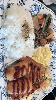 食べ物の皿の写真・画像素材[2090989]