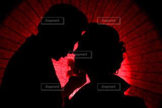 赤い光のクローズアップの写真・画像素材[2091103]