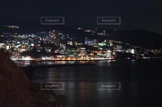 海辺の夜景の写真・画像素材[2114234]