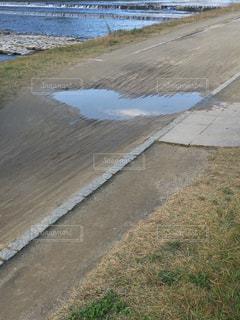 ハートの水溜まりの写真・画像素材[2124185]