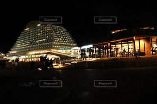 夜の都市の眺めの写真・画像素材[2093734]