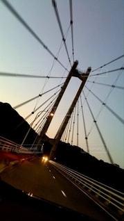 夕暮れのつり橋の写真・画像素材[2773963]