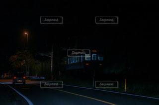 夜の電車の写真・画像素材[2963592]