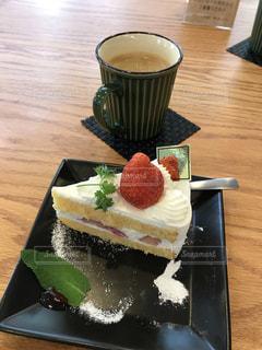 ケーキの写真・画像素材[2140075]