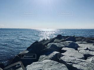 海の隣の水域の写真・画像素材[2128755]