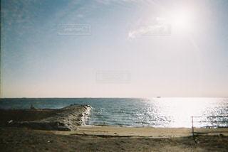 海の隣の水域の写真・画像素材[2266642]
