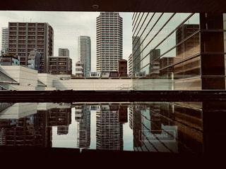 大きな白い建物の写真・画像素材[2278836]