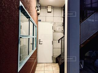 部屋の二重扉の写真・画像素材[2284741]