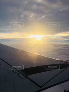 空の雲のクローズアップと地平線。の写真・画像素材[2302109]