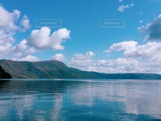 十和田湖畔の写真・画像素材[2100477]