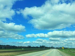 海外の道路の写真・画像素材[2112620]